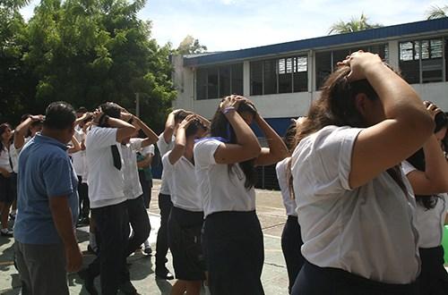 Centros escolares participan en simulacro nacional