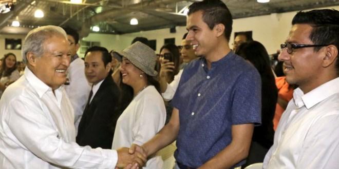 """""""Continuamos trabajando por las grandes mayorías de El Salvador"""": Salvador  Sánchez Cerén"""