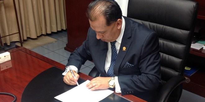 Presidente de CCR refrenda decreto para emisión de $550 millones títulos valores