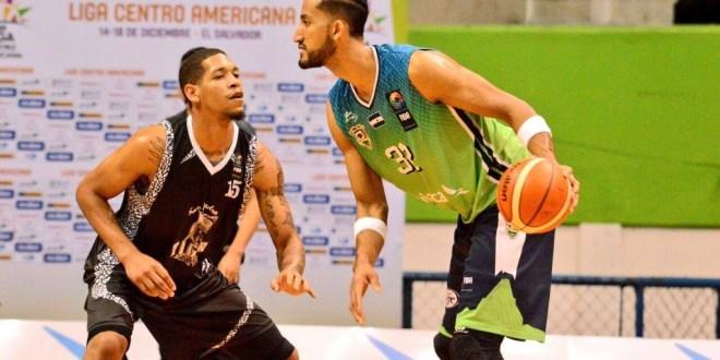Tecla con paso perfecto en la Liga Centroamericana de Baloncesto