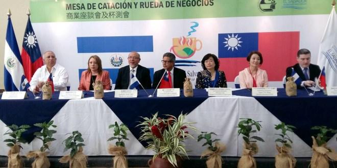 Empresarios taiwaneses y productores de café salvadoreño participan en rueda de negocios