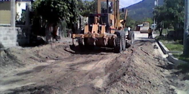 Pavimentación de calles en urbanización Nuevo Verapaz, San Vicente, con 60% de avance