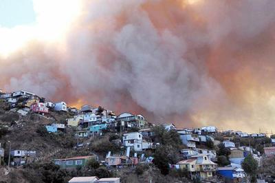 Gigantesco incendio en ciudad chilena de Valparaíso