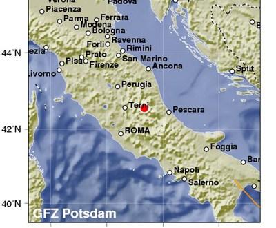 Tres terremotos sacuden en una hora el centro de Italia