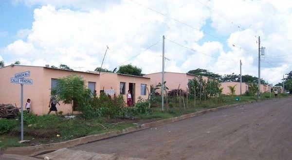 Más de 24 mil salvadoreños beneficiados con viviendas del FSV