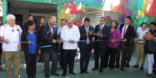Educación inaugura primer espacio amigable para la convivencia y atención preventiva