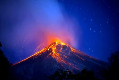 El volcán de Fuego entra en erupción y la ceniza amenaza Ciudad de Guatemala