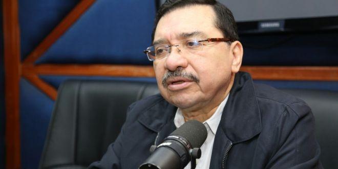 FMLN mantiene propuesta  de un sistema previsional mixto