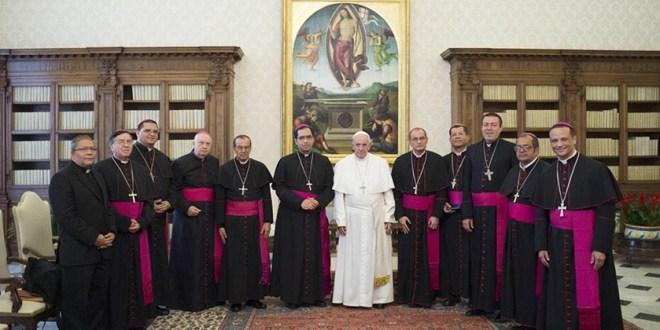 Papa recibe a Obispos de El Salvador en la Santa Sede
