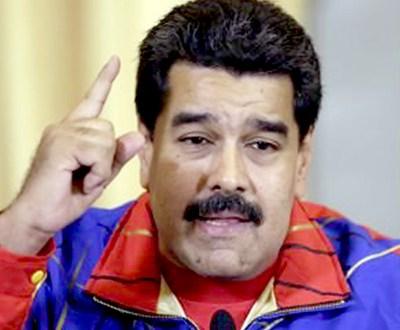 """Maduro acusa a diputados de """"traición a la patria"""" por pedido a la OEA"""