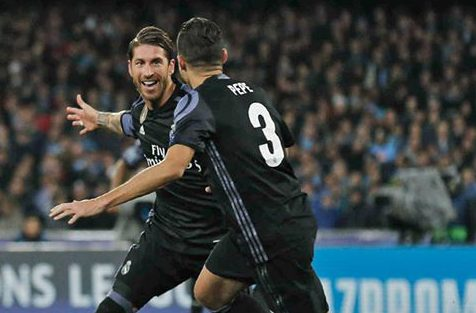 Sergio Ramos mete de cabeza al Real Madrid en los cuartos de final