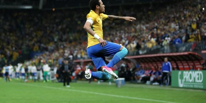 Brasil se clasifica al Mundial de Rusia y Argentina sufre sin Messi