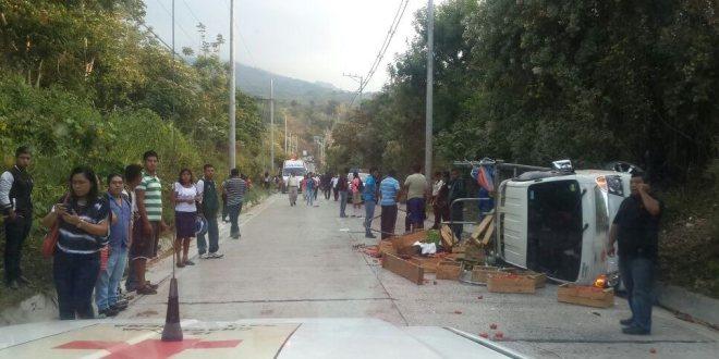 Accidente de tránsito deja 41 personas lesionadas en calle al Boquerón