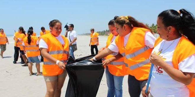 El MITUR y alcaldía impulsan campaña de limpieza en La Costa del Sol