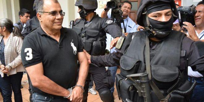 José Adán Salazar acusado de incremento injustificado por $48.1 millones