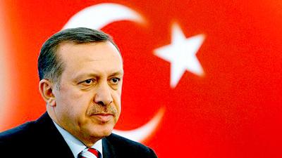 Erdogan celebra la victoria en el referéndum mientras la oposición pide su anulación