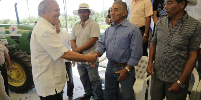 Presidente Sánchez Cerén inaugura sistema de riego en El Porvenir, Santa Ana