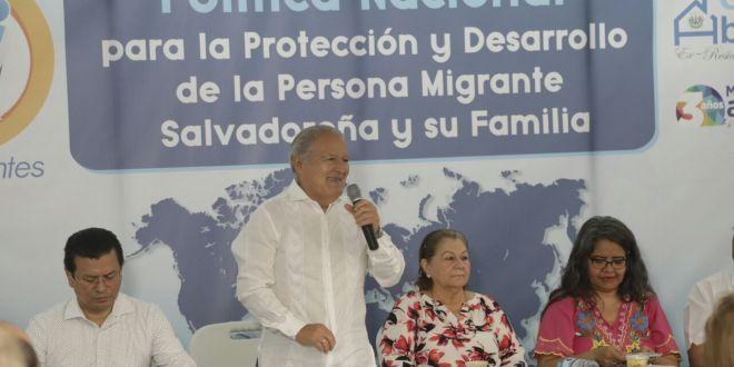 Migrantes: El Salvador  con derechos sin fronteras