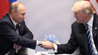 Trump y Putin se reúnen por primera vez en Hamburgo en un ambiente eléctrico