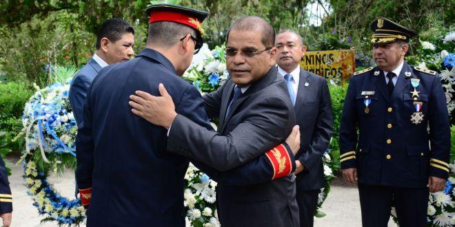 El crimen no va lograr desmoralizar y doblegar a la PNC: Óscar Ortiz