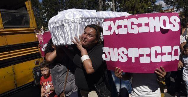 Exfuncionarios a juicio por muerte de 41 niñas en albergue guatemalteco