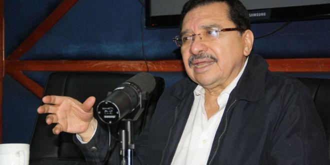 """El partido ARENA implementa """"táctica dilatoria"""" en tema de pensiones: FMLN"""