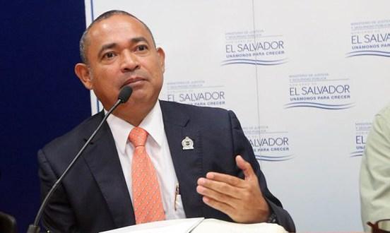 Gobierno presenta iniciativa para proteger a miembros de la PNC y FAES