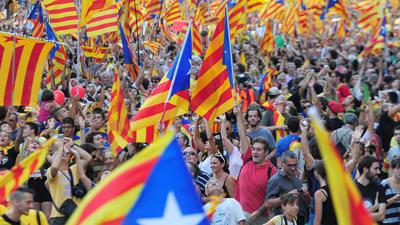 El referéndum catalán en jaque, los separatistas relanzan sus protestas