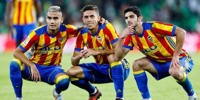 Valencia golea y se coloca segundo en España