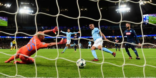 City vence al Napoli y mantiene andar perfecto en Champions