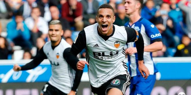 El Valencia sigue dulce: vence al Alavés  y continúa segundo en Liga
