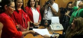 FMLN entrega al TSE más planillas de candidatos a diputados