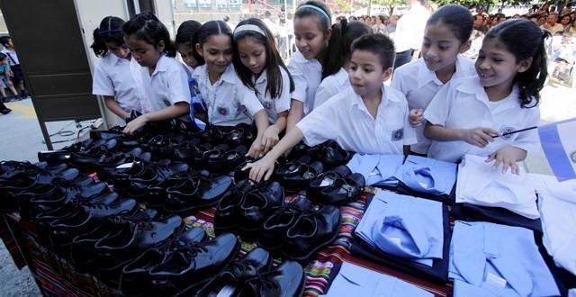 Viceministro verifica Feria de Paquete Escolar 2018