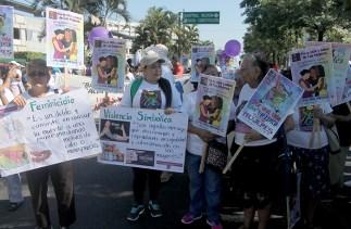 Exigieron una cultura de respeto hacia la imagen de la mujer. Foto Diario Co Latino/ Ludwiin Vanegas.
