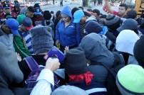 Al momento de salir, los migrantes se reunieron para orar previo a su peregrinar hacia los Estados Unidos. Foto Diario CoLatino/ David Martínez.