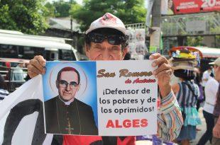 Las organizaciones exigieron una pronta investigación del martirio de Monseñor Romero y piden al Gobierno de El Salvador que se haga justicia a las víctimas del conflicto armado. Foto Diario Co Latino/Dennis Argueta.