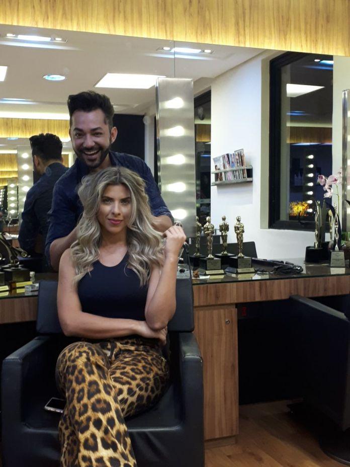 c788caf94c2bd Ana Paula Minerato recorre a Hair Stylist queridinho dos famosos, antes de  confinamento em reality