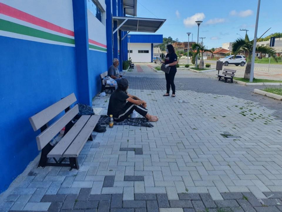 Porto Belo entrega Kit de higiene pessoal às pessoas em situação de rua