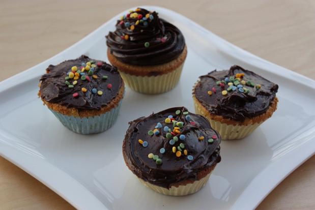 Receta Cupcakes de vainilla con frosting de chocolate