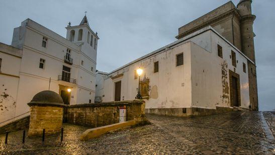 Exterior de la Catedral Vieja de Cádiz.