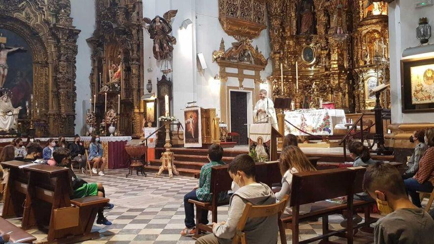 Acto celebrado el sábado por parte del Redil de la Pastora con los niños de la parroquia de San Lorenzo.