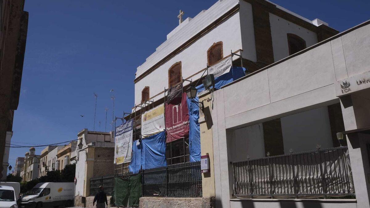Exterior de la iglesia castrense del Santo Ángel Custodio.