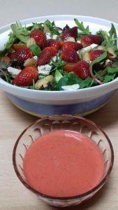 Ensalada con aderezo de fresas