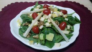 ensalada de espinacas con manzana y nueces