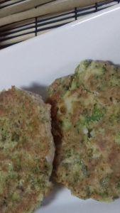Hamburguesas de atún y brócoli