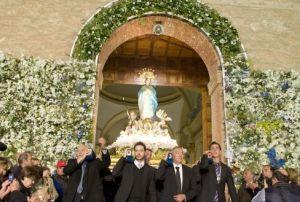 """Torrevieja pone en marcha la """"Oficina Covid"""" para distribuir las invitaciones de los espectáculos de las fiestas patronales"""
