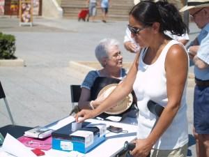 Concentración por el referéndum en Torrevieja
