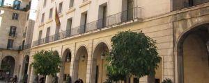Siete de años de prisión a una mujer por descuartizar el cadáver de un hombre tras encubrir su asesinato en Torrevieja