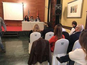 Bonig se reúne con las AMPAS de Orihuela para rechazar el decreto del Plurilingüismo