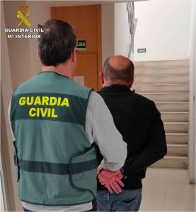 Detienen en Almoradí a dos hombres por estafar 128 toneladas de limones y granadas